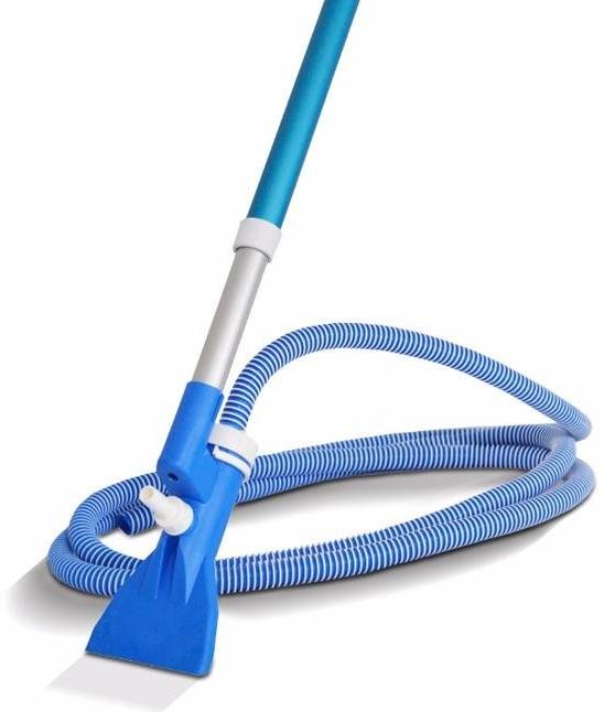Como limpar piscinas: aspirador é item fundamental