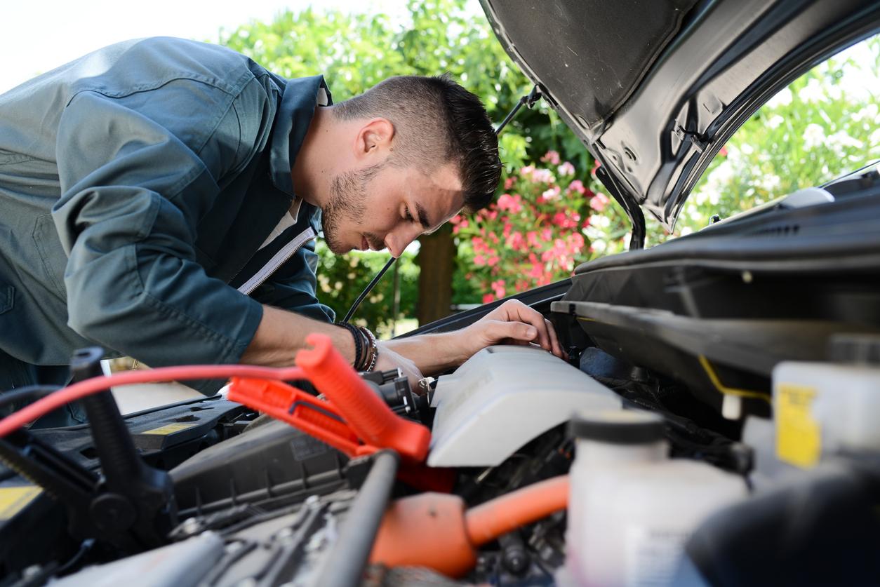 Há diferentes maneiras de evitar que as baterias para carros descarreguem quando os veículos não estão sendo utilizados. Saiba mais!
