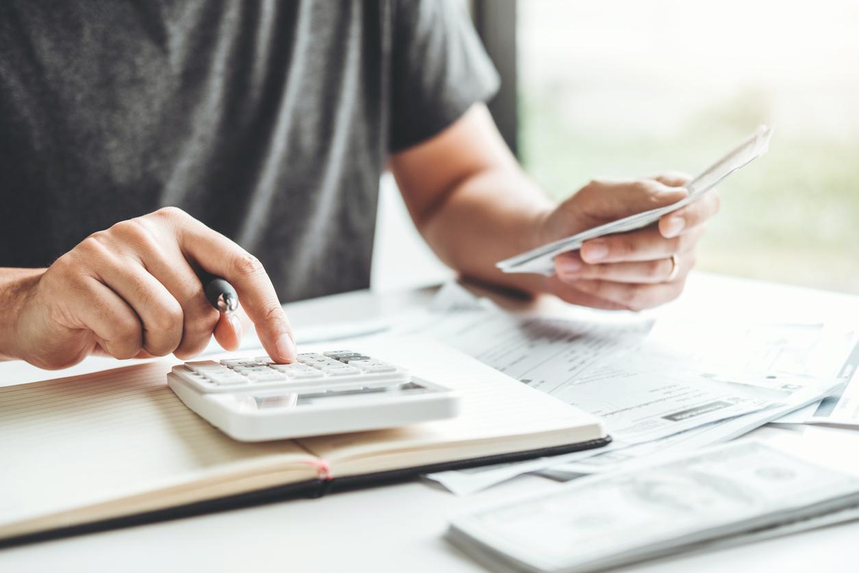 Está precisando de dinheiro? Com a linha de crédito EmpresTaQi, você pode obter até 5 mil reais para aplicar como quiser.