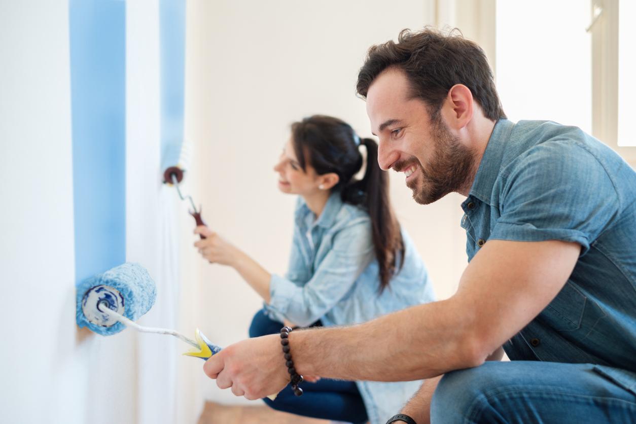 Descubra várias dicas muito úteis na hora de fazer reparos, pinturas e limpezas nas paredes da sua casa.