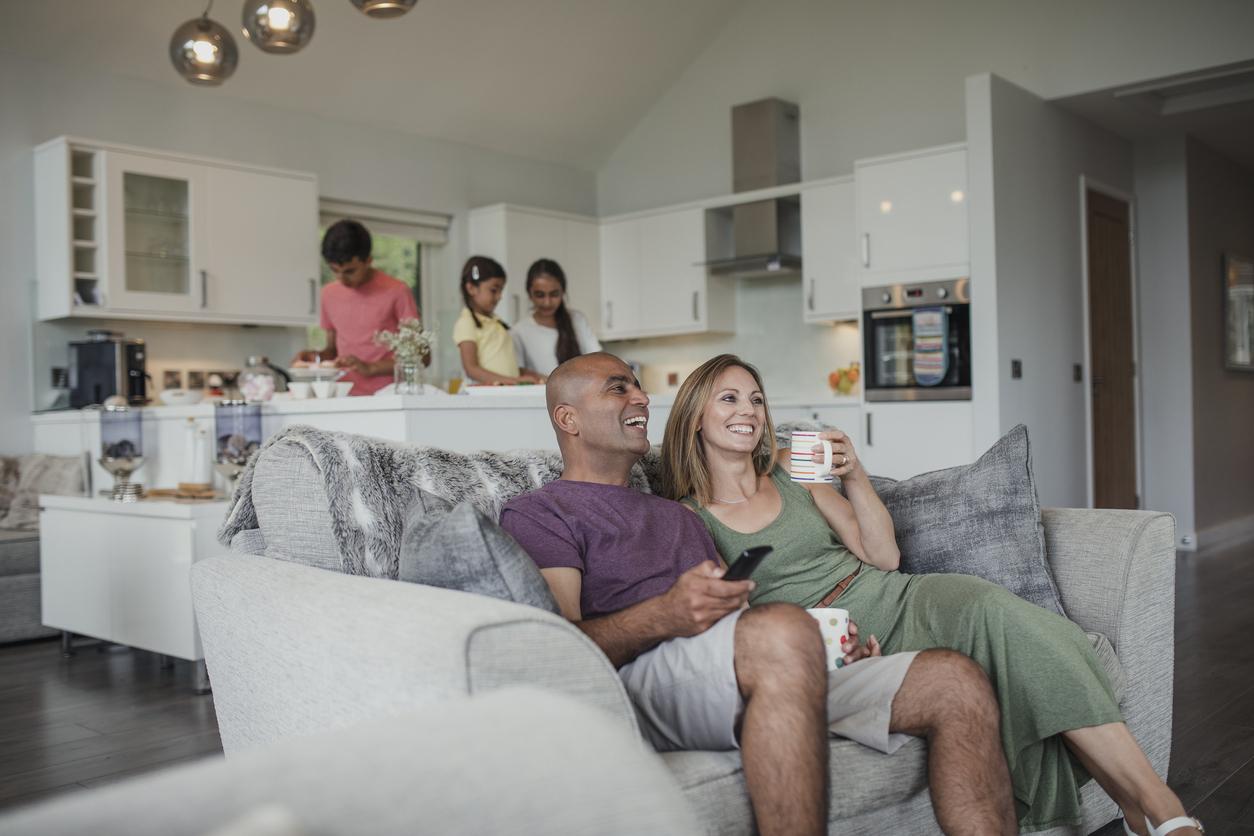 Seja por resguardo, necessidade ou escolha pessoal, passar férias em casa pode ser superdivertido e revigorante