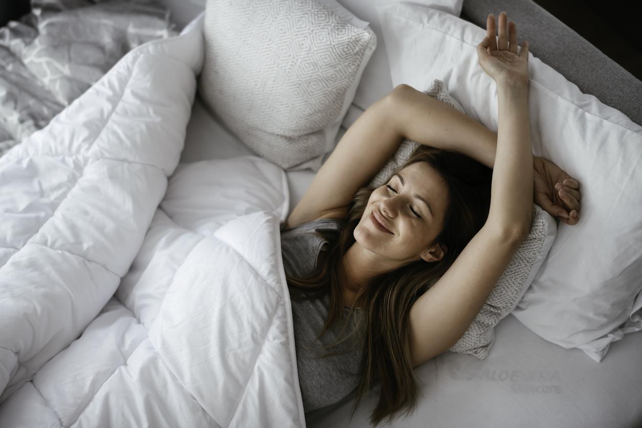 Saiba como usar roupas de cama e acessórios para criar um visual convidativo e ter noites de sono quentinhas e aconchegantes no inverno